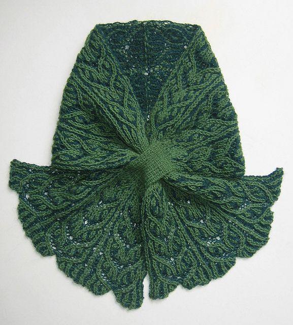 Leafy Lacey Brioche Keyhole Scarf pattern by Nancy Marchant ...