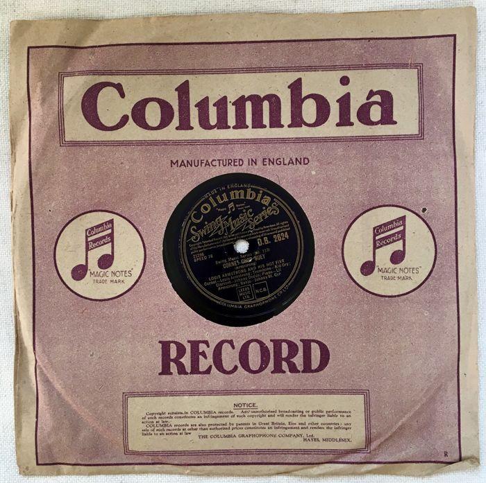 78s van de groten van de Jazz uit de jaren 1920 tot de jaren 1940 (Armstrong Ellington Waller Krupa Bechet Mezzrow Spanier)  Alle van de 78s hebben goed gespeeld maar nog geluid zeer goed met schone en leesbaar etiketten.Ik zal ook het verstrekken van een CD van alle 18 tracks opgenomen van een Audio-Technica platenspeler.LOUIS ARMSTRONG EN ZIJN HOT VIJFMuskat Ramble & Cornet Chop SueyColumbia DB 2624 gemaakt in EngelandOorspronkelijk geregistreerd 26 februari 1926 op OKeh etiket en…