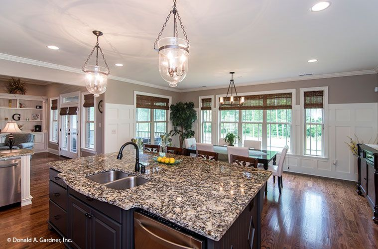 Large Kitchen Island Designs And Plans: This Island Kitchen And Dining Room Flow In This Open