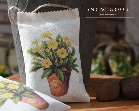 Primrose, Lavender, Lavender Bag, Lavender Sachet, Garden, Cottage Garden, Gift Idea, Romantic, Vintage