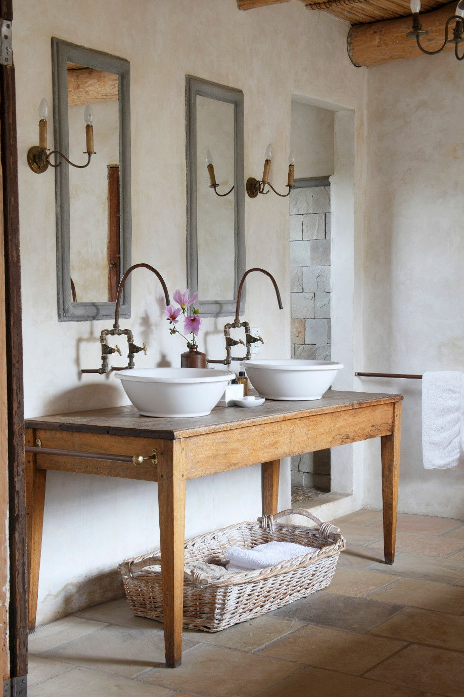 French country without the kitsch. Dalani Country Toilette in ...