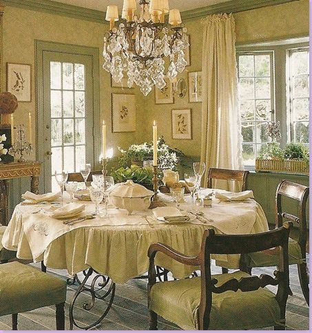 Amazing English Country Style Dining Room Needs Some Purple Flowers.