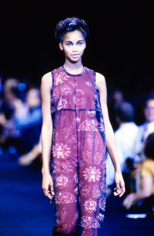 b1183cdbaa4155 Comme des Garçons Spring 1991 Ready-to-Wear Accessories Photos - Vogue