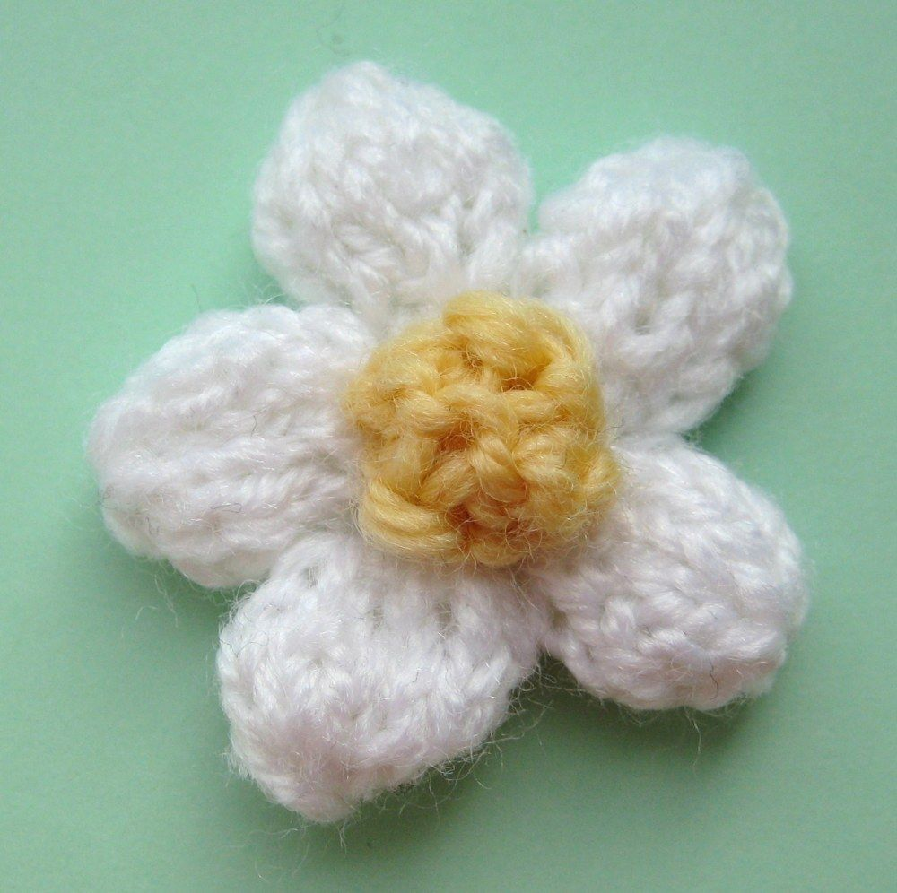 Daisy free knitting pattern free knitting hair accessories and daisy free knitting pattern bankloansurffo Images