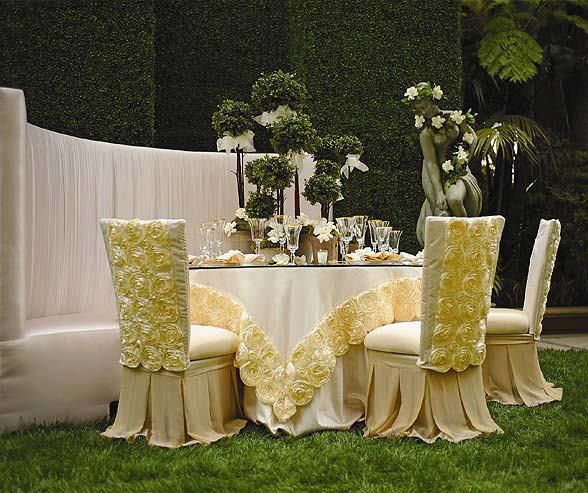 <3 wow. this is why i want to get married more than once... multiple wedding themes.