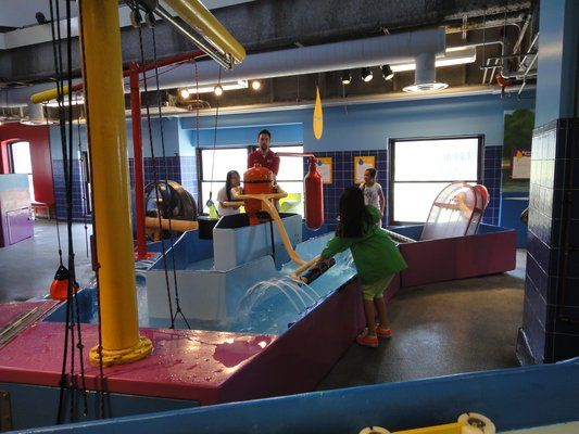 Water Play Area Of The Chicago Children S Museum On Navy Pier Big City Fun For Kids Pinterest Water Play