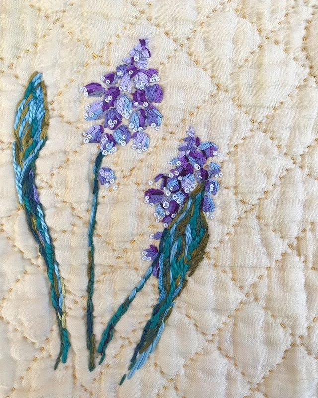 t h r e a d u a r y  day four  Muscari Fabric  piece of old quilted blanket Thread  @dmc_embroidery  Thoughts  I couldnt get my head into this one very well. I was probably a bit stitched out from he last few days but my heart wasnt in it. I kept the strokes looser and I like the little French knots as the white frill around the flower collar. Might come back to this one in a few days when Ive got a clearer head. It feels more like a thread sketch than anything very resolved like yesterdays…