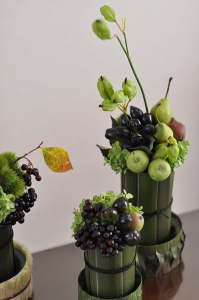 Modern arrangements of fruit and flowers centerpieces Floral arrangements with fruit