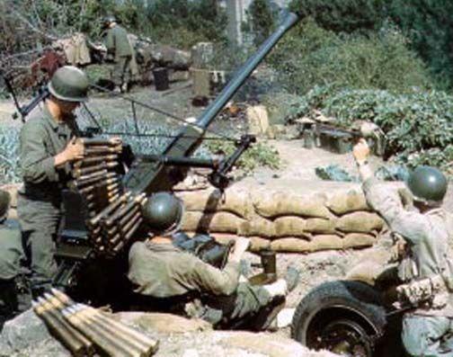 A US 40mm Anti-Aircraft Crew, at work.