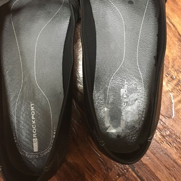 Shoes Nice dressy shoes. Very good condition. Only worn a couple times Rockport Shoes Flats & Loafers