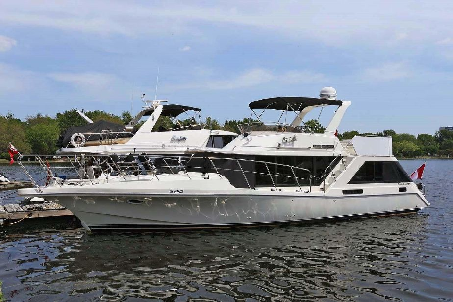 1988 Bluewater Yachts 47 Coastal Cruiser Power Boat For Sale