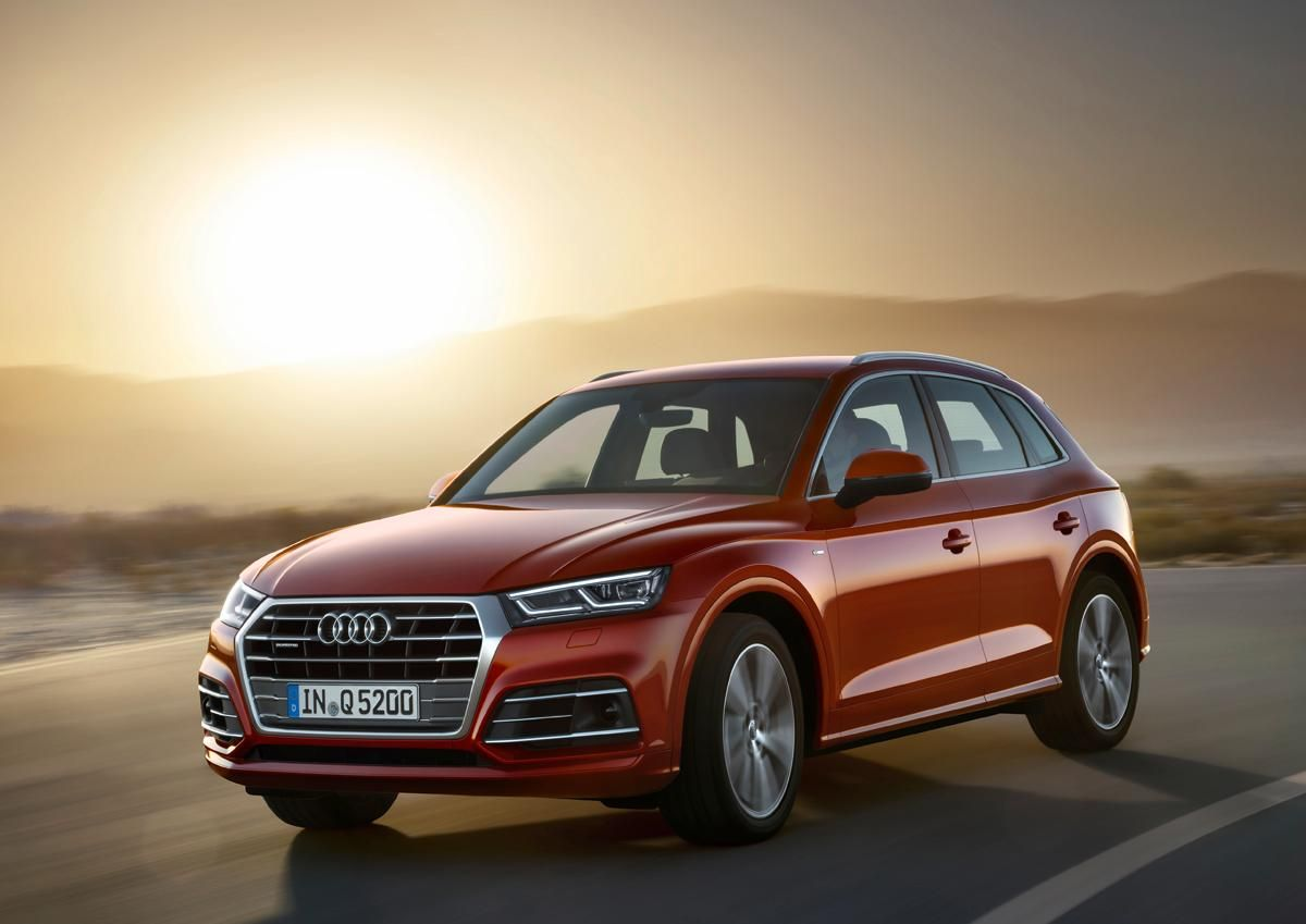 The 2018 Q5 Fits Perfectly Between The Smaller Audi Q3 And Larger Q7 Making It A Satisfying Option For Families In The Market For A Luxury Audi Q 5 Audi Autos