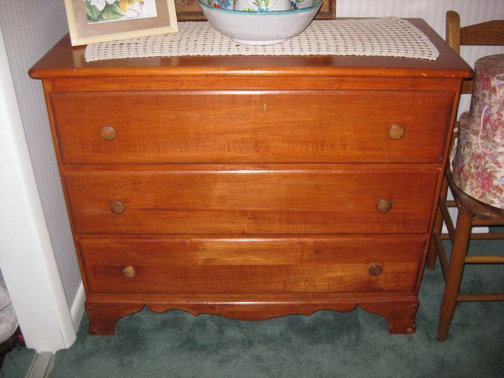 Charming Vintage/Antique Wooden 3 Drawer Dresser Maple 1930s/1940s