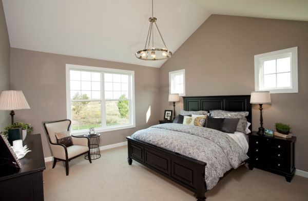 Color That Work Well In Combination With Black Furniture Black Bedroom Furniture Traditional Bedroom Black Furniture