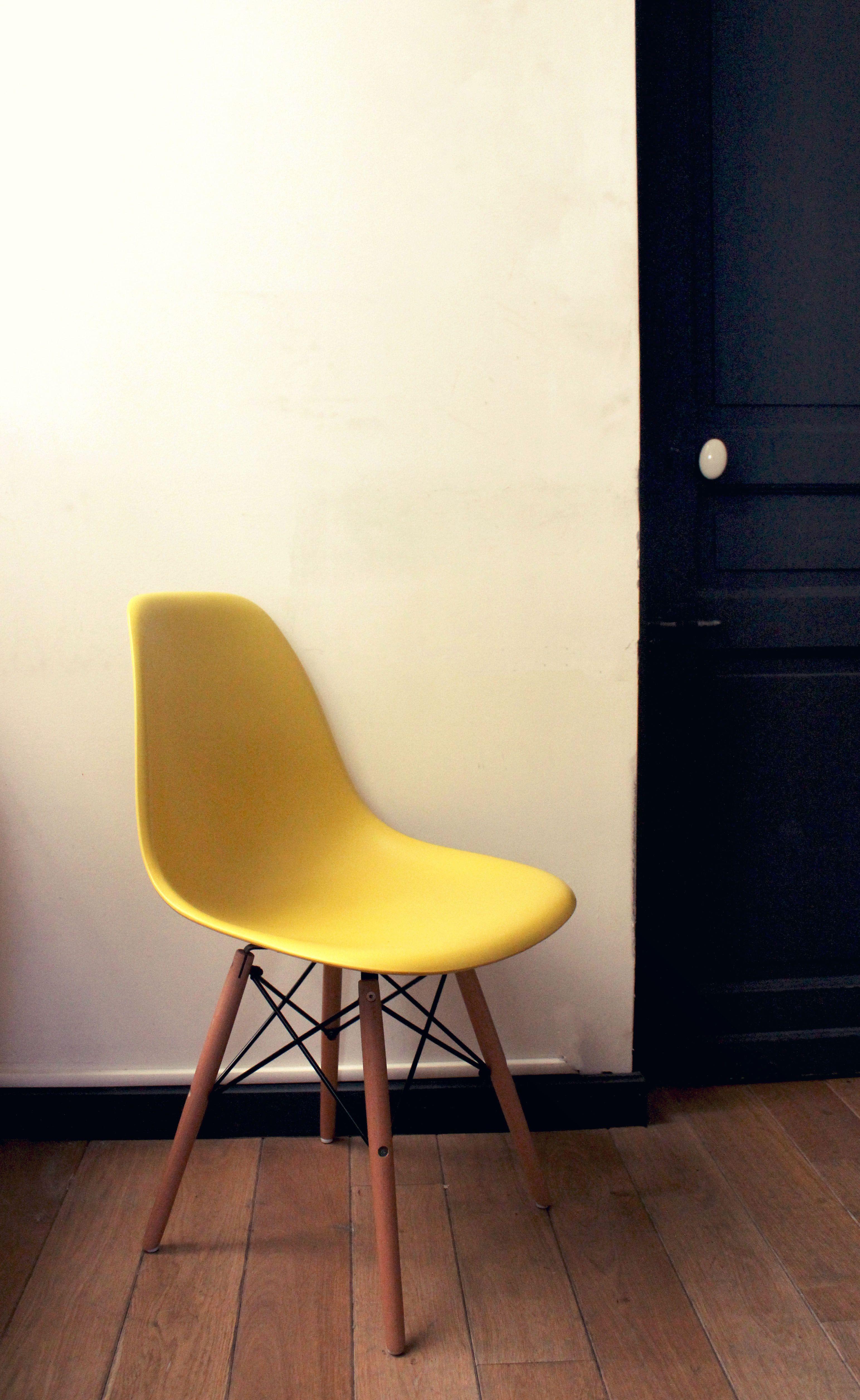 La Dsw Inspiration Eames Jaune Vendue Chez Meubles Et Design Http