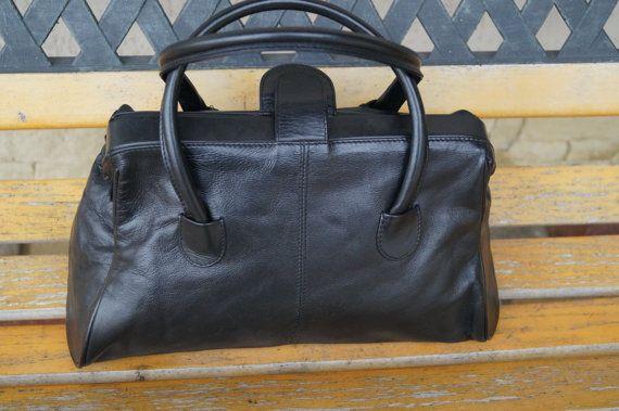 Vintage leather handbag.Freddie Oufi black Handbag Genuine leather ... ae206beb5a55d