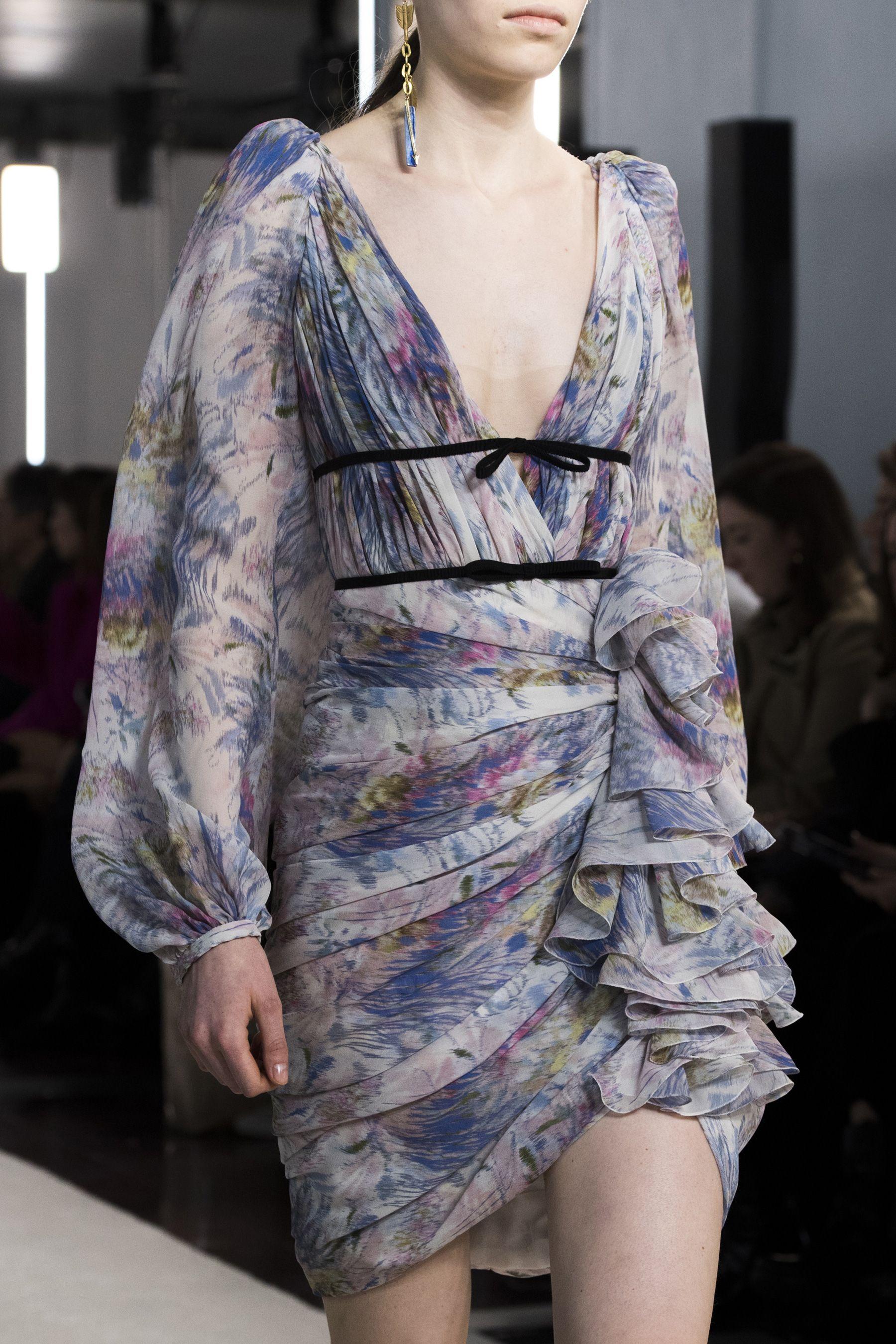 Giambattista Valli Fall 2019 Fashion Show Details The Impression Fashion International Fashion Designers Beautiful Fashion