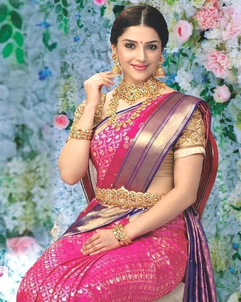 Pin By Pravinbandkar On Mehreen Pirzadaa In 2021 South Actress Actress Wallpaper Actresses
