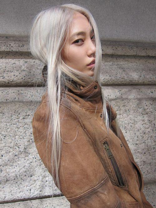 cheveux blonds Asian Porn