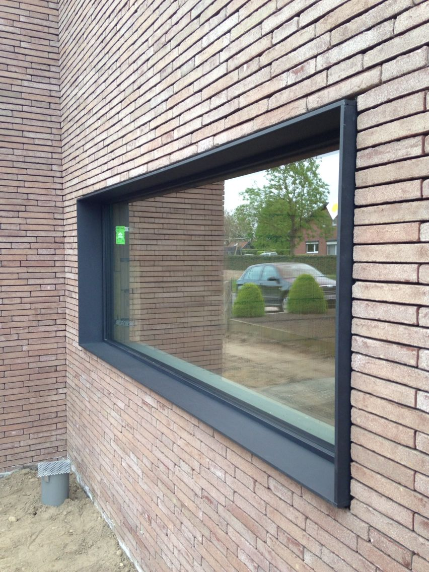 Raam kader aluminium ral9004 schuco deuren en ramen for Parement aluminium exterieur