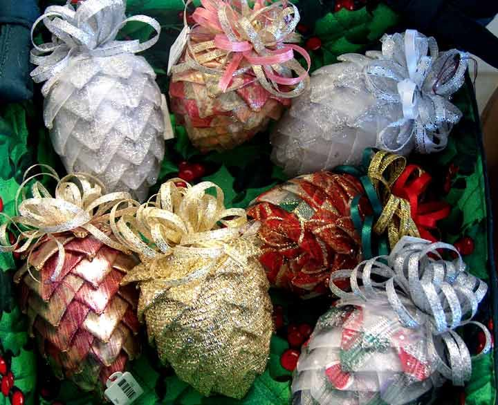 Google Image Result for http://www.abetterbead.com/images/catalog ... : quilted fabric ornaments - Adamdwight.com