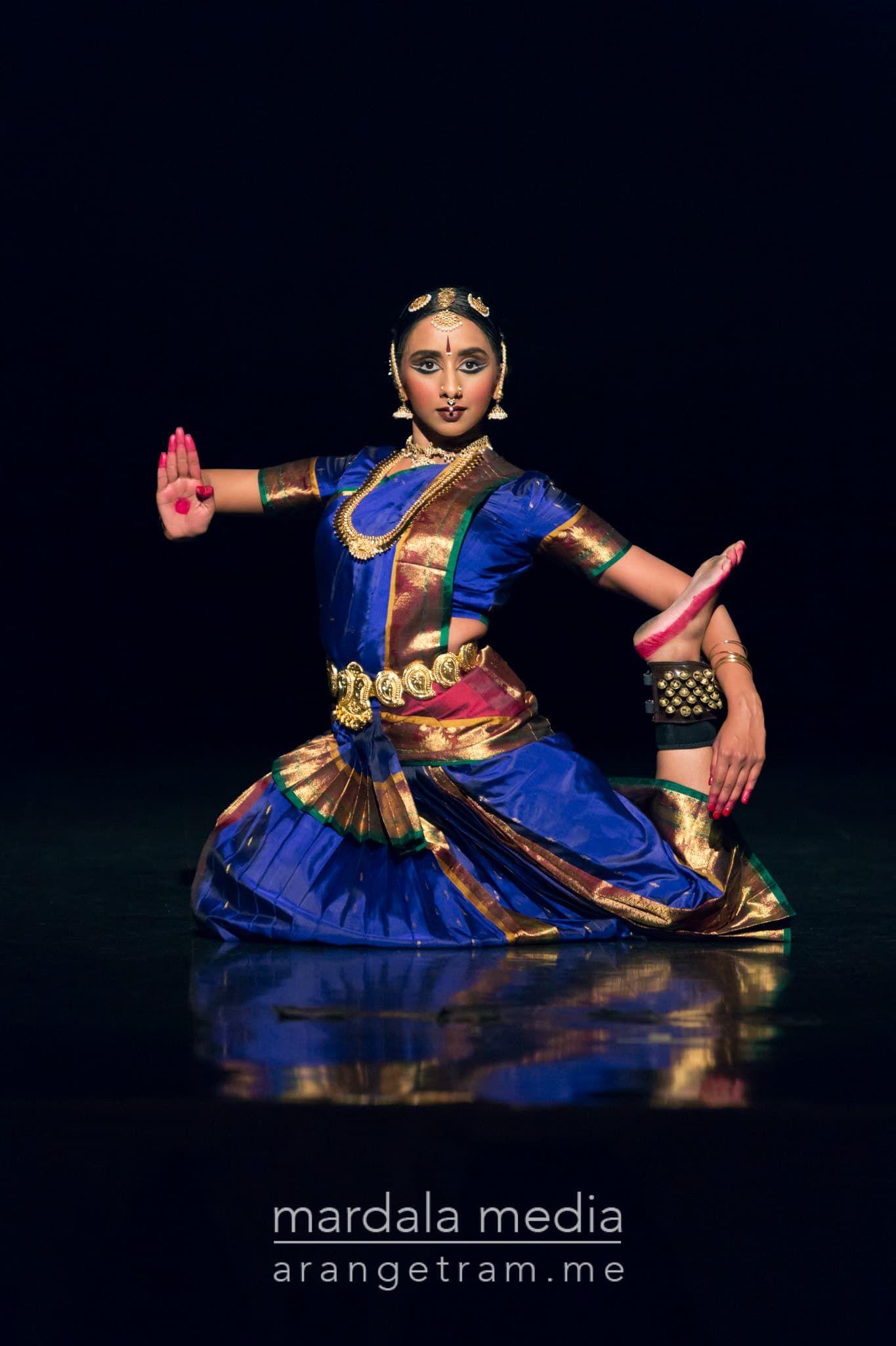 Bharatnatyam arangetram arpana dance company rayma for Arangetram stage decoration