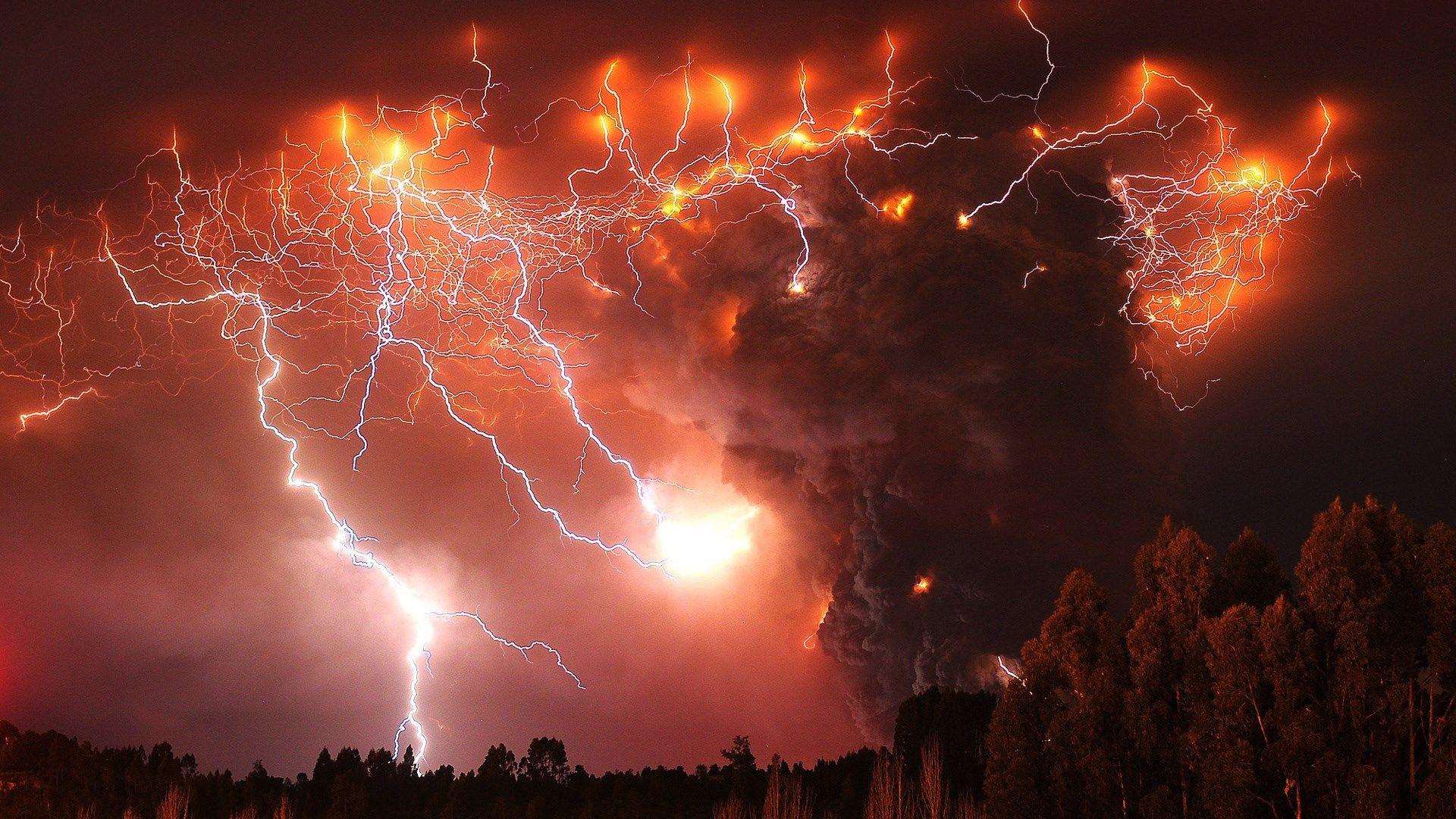 irohsimaro: iceland volcano lightning wallpaper