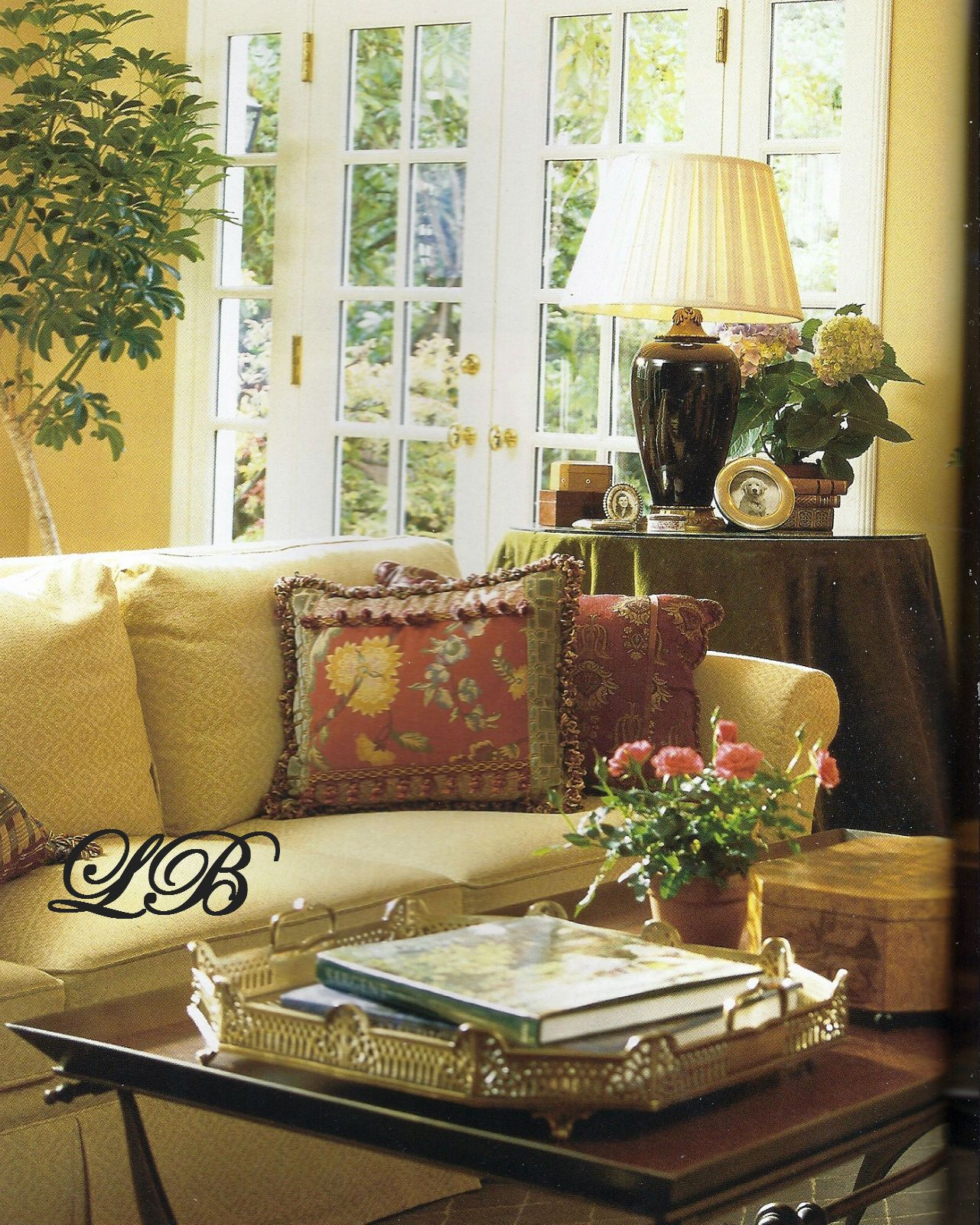 Warm Home Decor: Warm Color Scheme, Lots Of Natural Light, Layering...so
