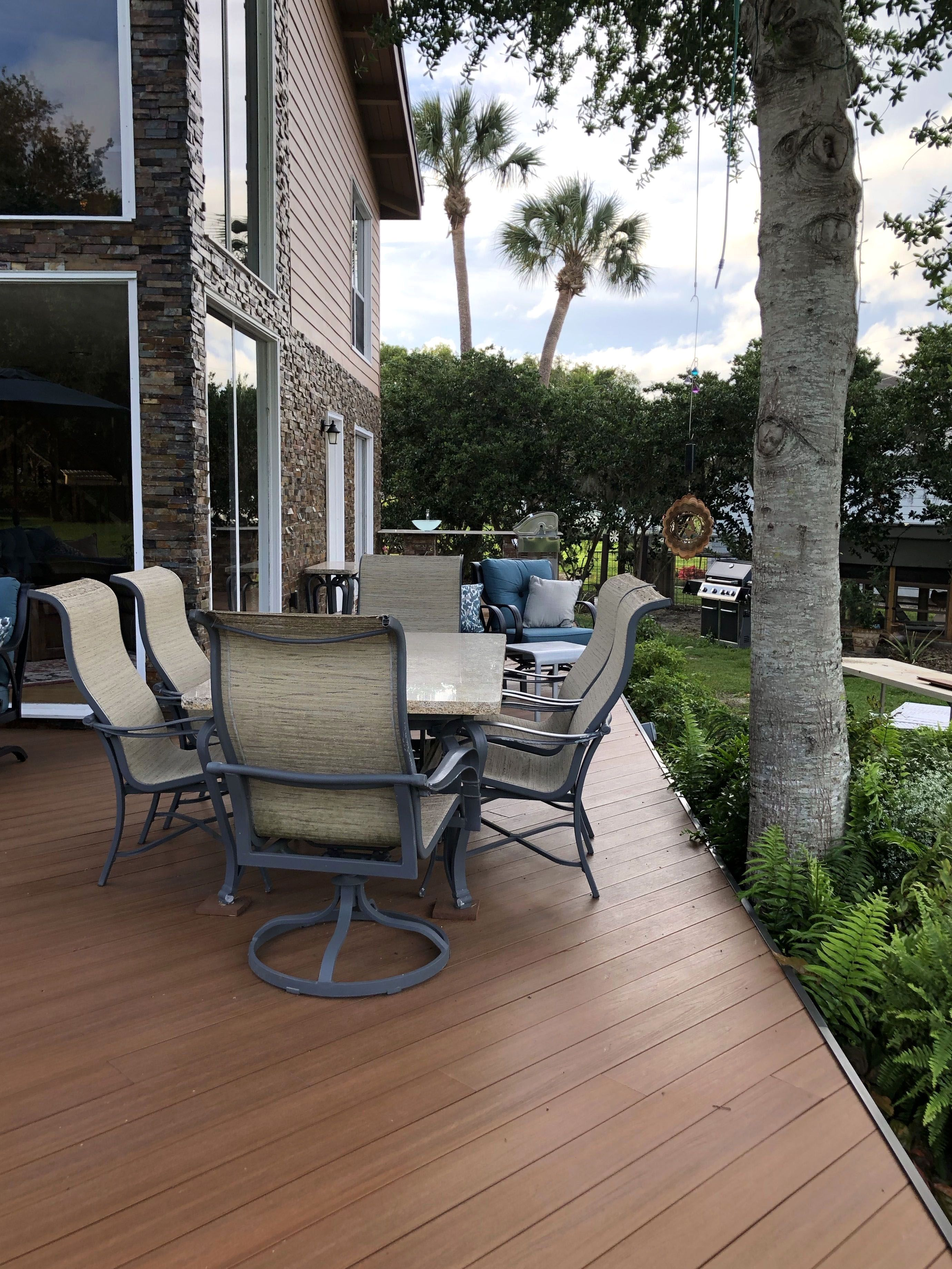 Ways To Take Advantage Of Your Studio Apartment Porch Building A Deck Patio Design Balcony Design