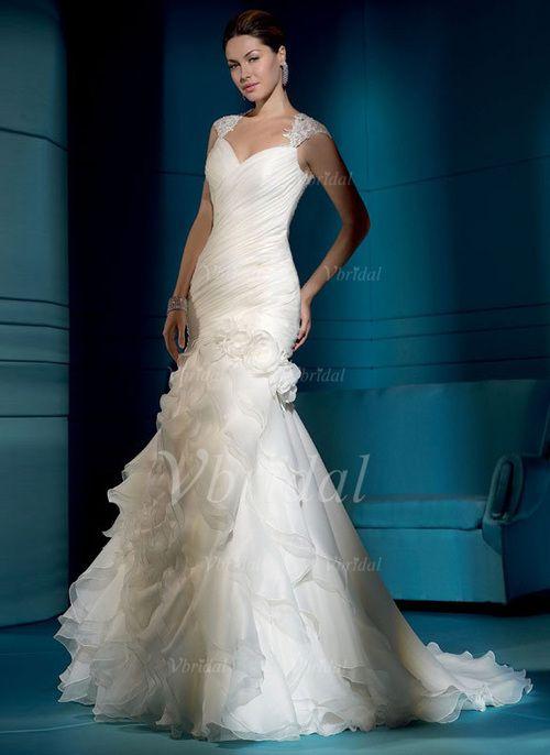 A-linjeformat V-ringning Chapel släp Organzapåse Bröllopsklänning med Spetsar Pärlbrodering Blomma (or) Svallande Krås (00205001166) - Vbridal