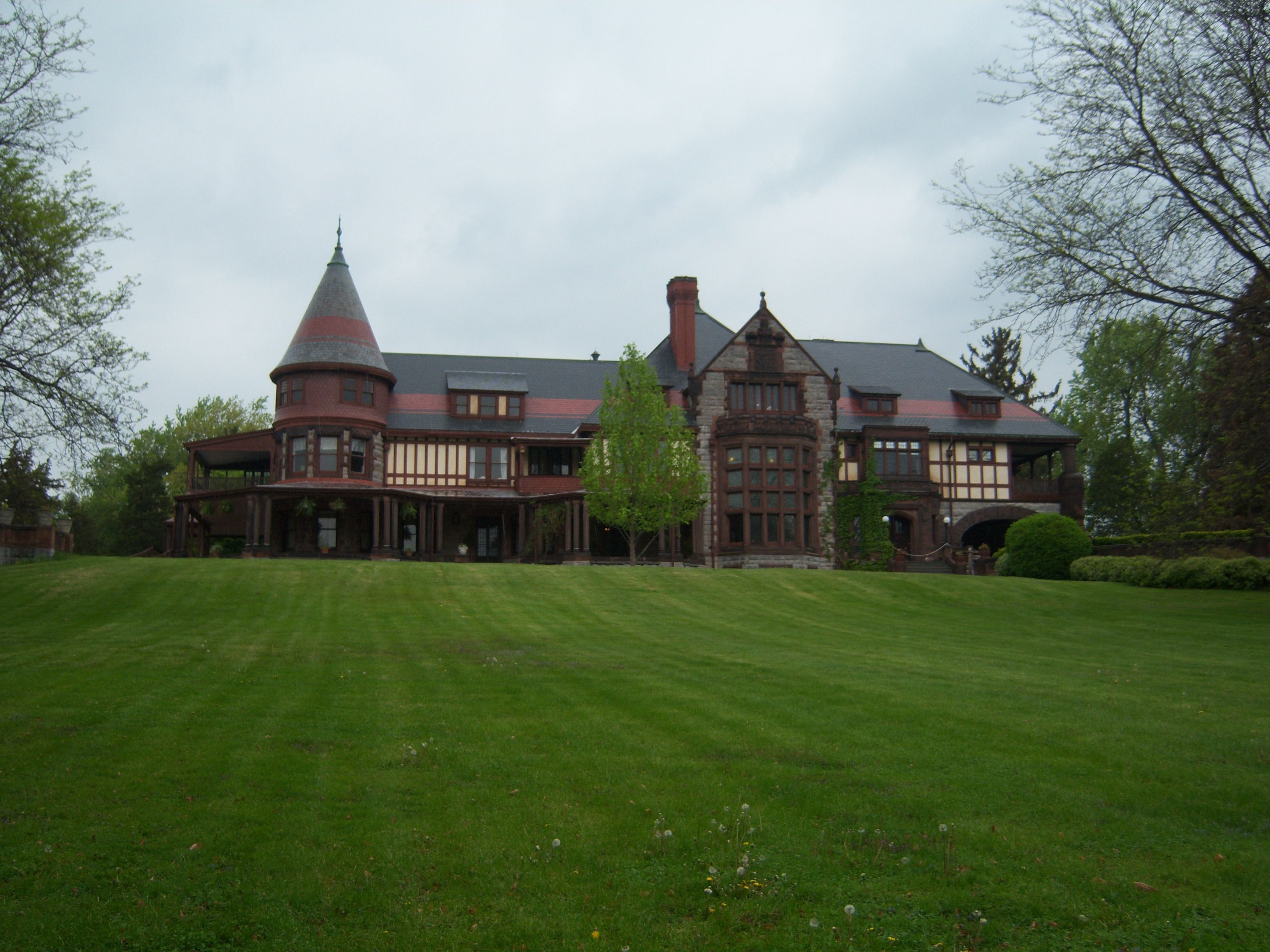 sonnenberg gardens and mansion is a 52 acre histork state park
