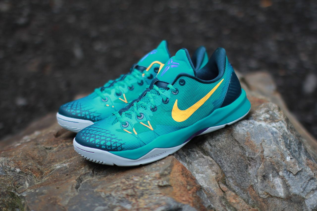 nike zoom kobe venomenon 4 turbo green size 10