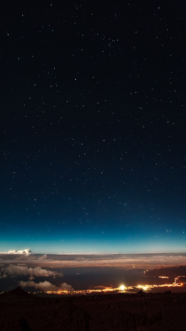 Awesome Latest iOS 7 Background Wallpaper - http://backgroundwallpapers.co/awesome-latest-ios-7-background-wallpaper/