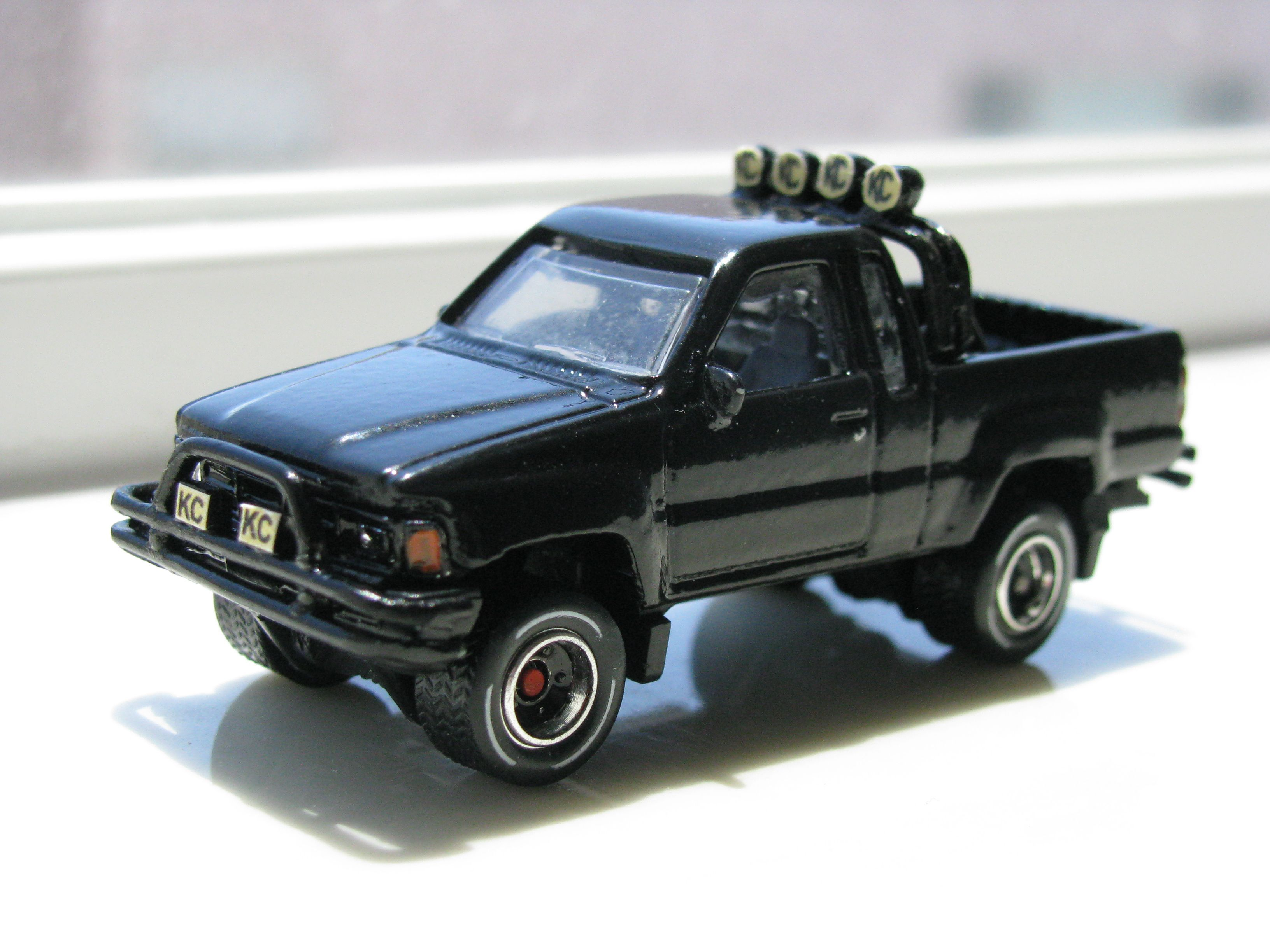 Mattel hot wheels matchbox 1 64 scale custom toyota 4x4 pickup xtra cab ebay toys