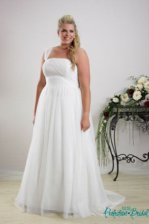Plus size wedding dresses Melbourne - Bridal Gowns - Sizes 16 to 34 ...