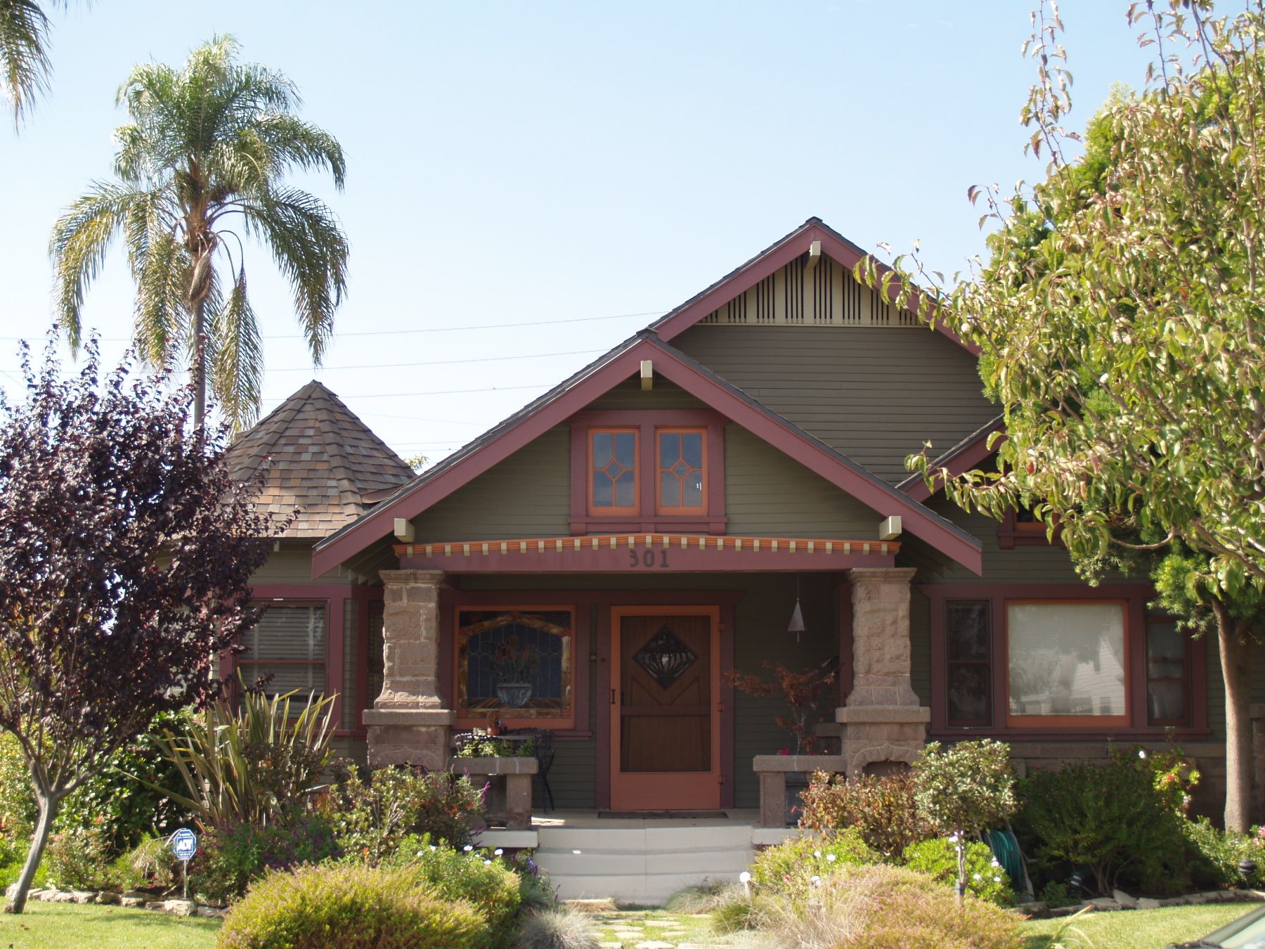 Miner smith craftsman bungalow house in long beach for Craftsman beach house