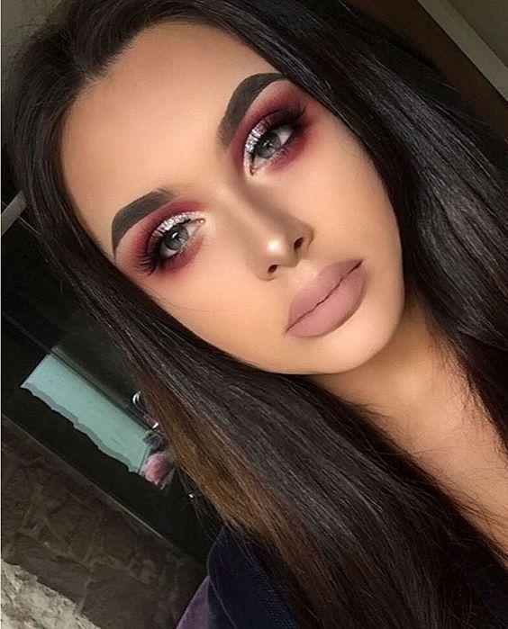 Amazing eye makeup ideas for fall - Beautiful makeup ideas to inspire, autumn makeup ideas to try , glitter eye makeup
