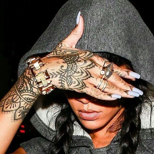 Tatuaje Rihanna Rihanna Hermosas Celebridades Femeninas