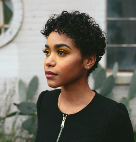 17 Photos That Prove Pixie Cuts Look Incredible With Curly