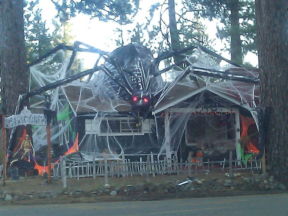 Wow Awesome Decorated House For Halloween That S A Lot Of Work Just To Keep Kids From Comin Outdoor Halloween Halloween Outside Halloween Outdoor Decorations