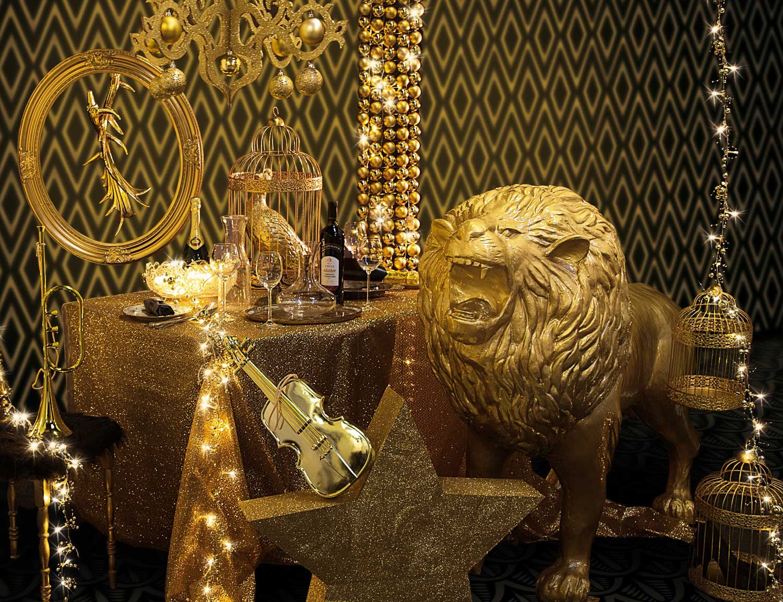 visual merchandising trends herbst winter 2015 gold decor sculpture lion sculpture