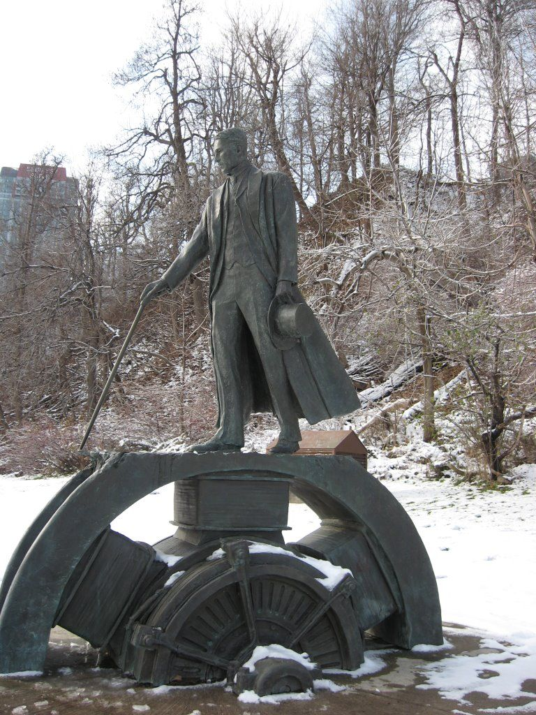 Niagara Falls - Monument to NIKOLA TESLA (Author Les Drysdale)
