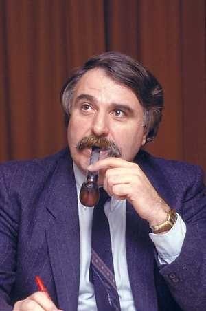 André van der Louw (1933 - 2005) Former Mayor of Rotterdam