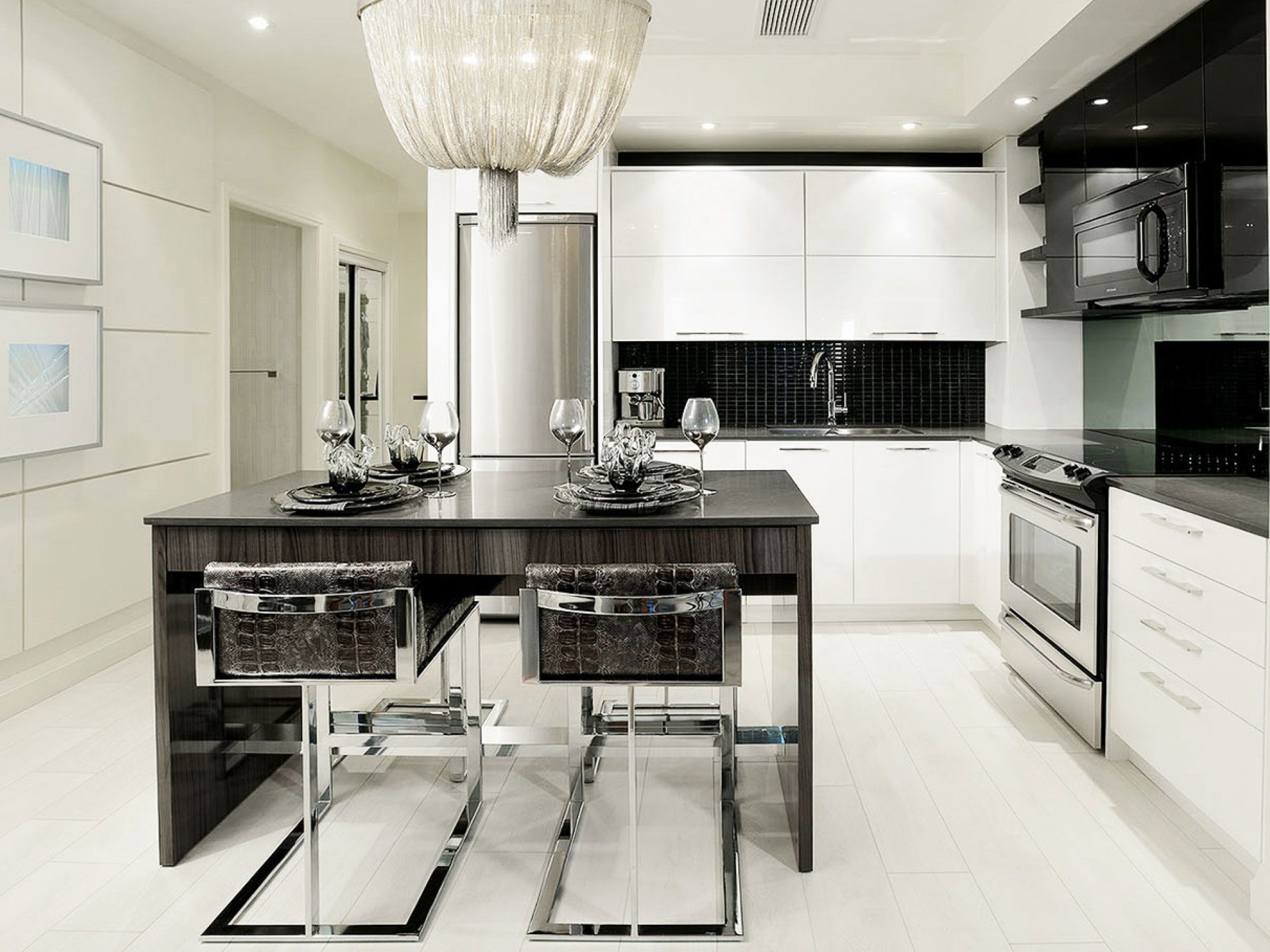 Xpression Sales Office & Model Suite – Tomas Pearce Interior Design ...
