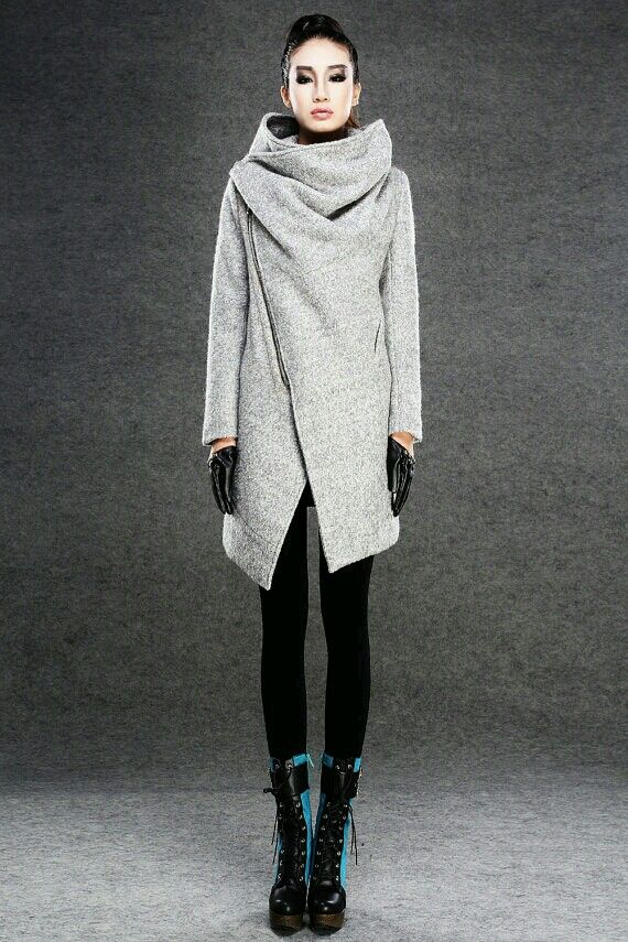 I NEED this coat.  It's beautiful.