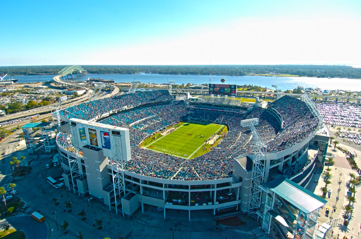 Catch a game at the Everbank Field Jacksonville jaguars
