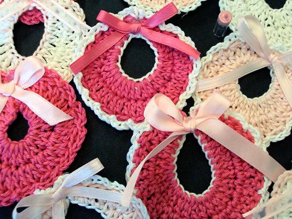 Pack Of 6/Baby Shower Favors/Baby Shower Souvenirs/Bibs For Favors/Crocheted  Baby Shower Favor/knitted Baby Shower Favors