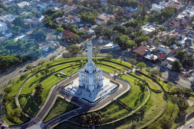 Monumento A Los Héroes De La Restauración, Santiago