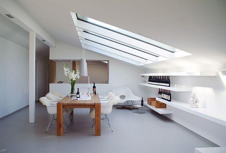 House t by karl kaffenberger under the roof for Dachgeschosswohnung dekorieren