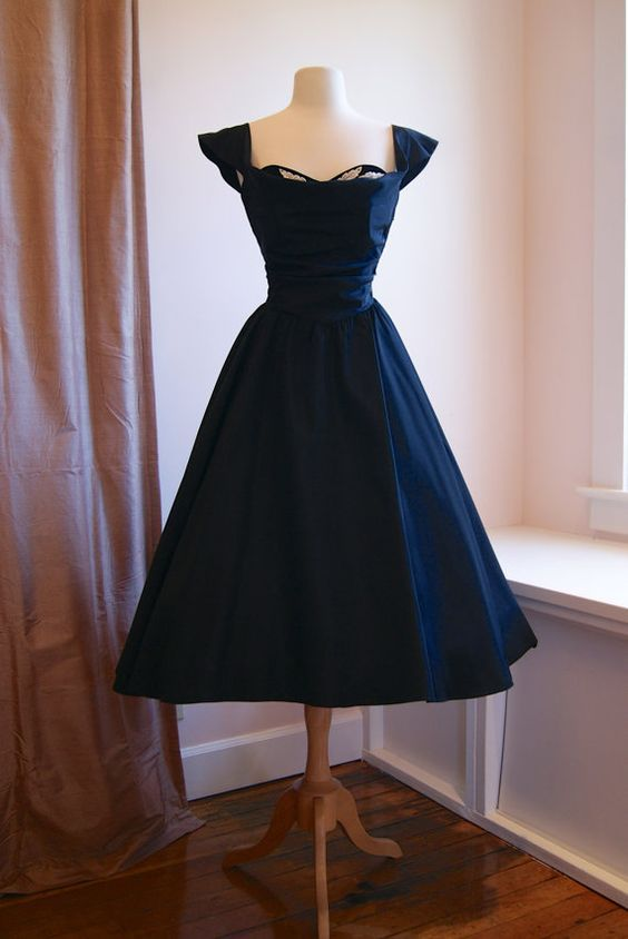 77352a674cb6 50s Dress    Vintage 1950s NEW LOOK Black Party Dress Sweetheart Neckline  and Lace Applique via Etsy